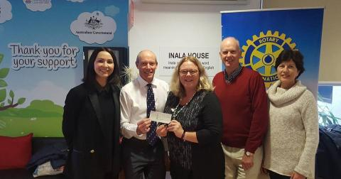 Tamworth First Light donates to Cancer Council NSW for use at Inala House at Tamworth Hospital